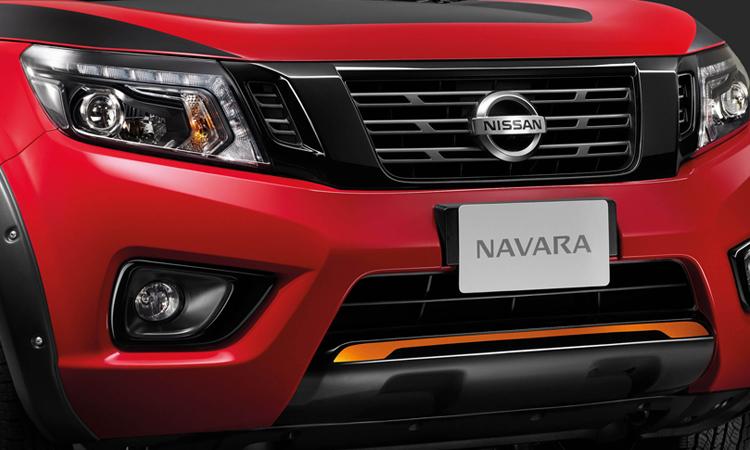 กระจังหน้า Nissan navara Black Edition