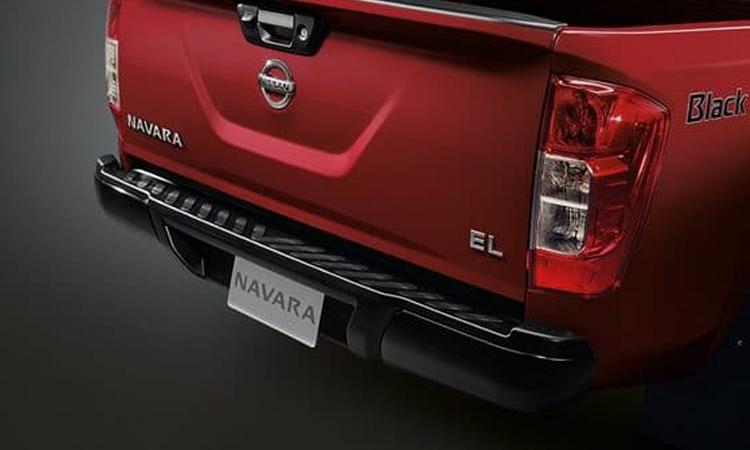ท้าย Nissan navara Black Edition