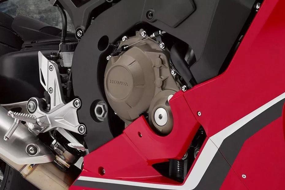 Honda-CBR1000RR-4
