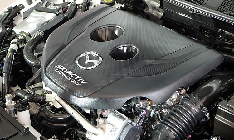 เครื่องยนต์ New Mazda2 มีทั้งเครื่องยนต์เบนซิน และดีเซล