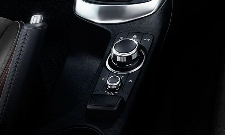 ุปุ่มควบคุม Mazda2