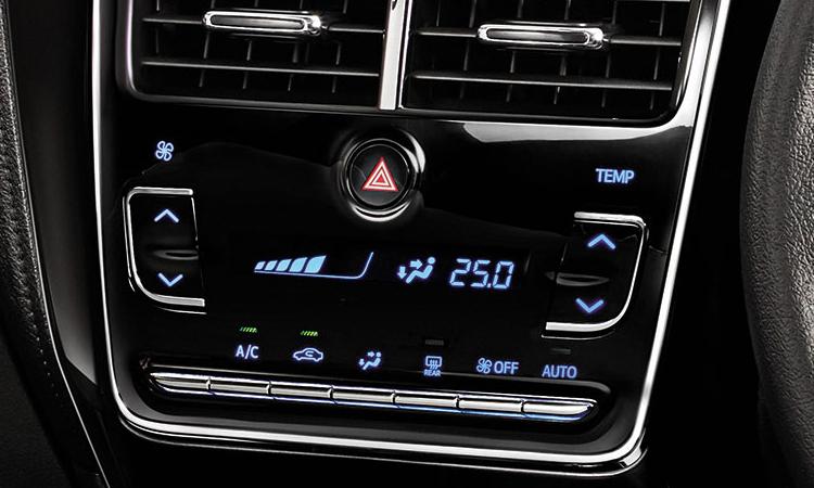 แผงควบคุม Toyota Yaris ATIV