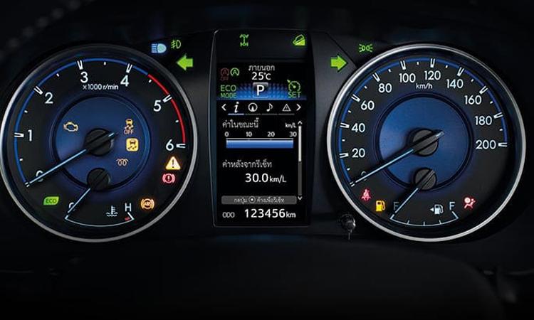 เรือนไมล์ Toyota Hilux Revo Smart Cab