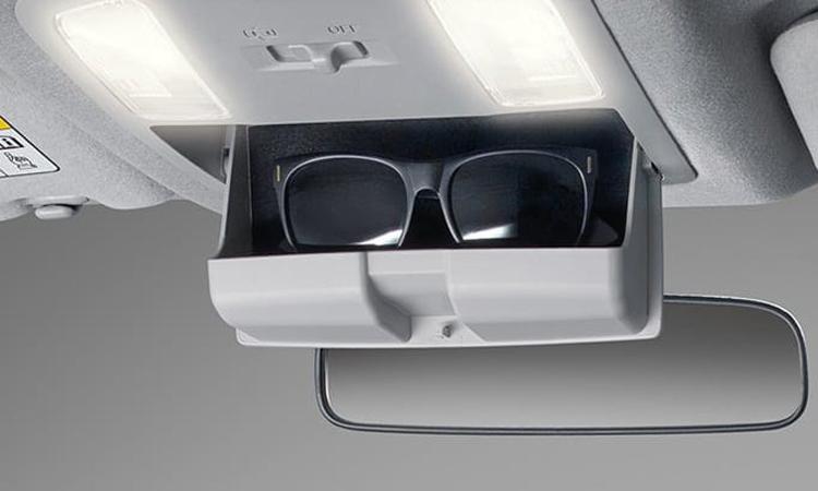 ช่องเก็บแว่นตา Toyota Hilux Revo Smart Cab