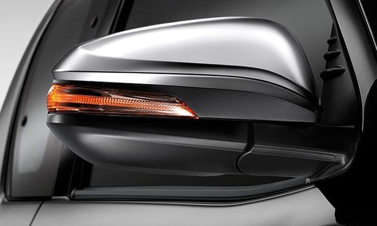 กระจกมองขข้างพร้อมไฟเลี้ยว Toyota Hilux Revo Smart Cab