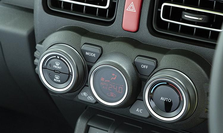 ปุ่มควบคุม Suzuki Jimny 2020