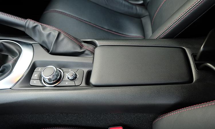 คอนโซนกลาง Mazda MX-5