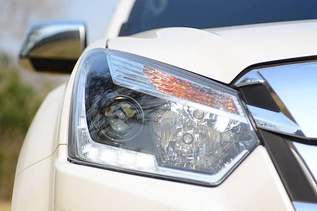 เคล็ดลับดูแลโคมไฟหน้ารถไม่ให้เหลือง และวิธีกำจัดคราบเหลืองของโคมไฟหน้ารถ 1