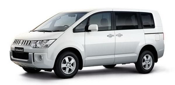 ภายนอก Mitsubishi-Delica-Space