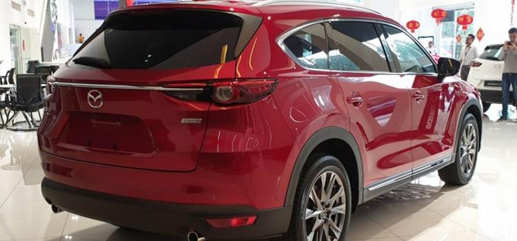 ท้าย Mazda CX-8