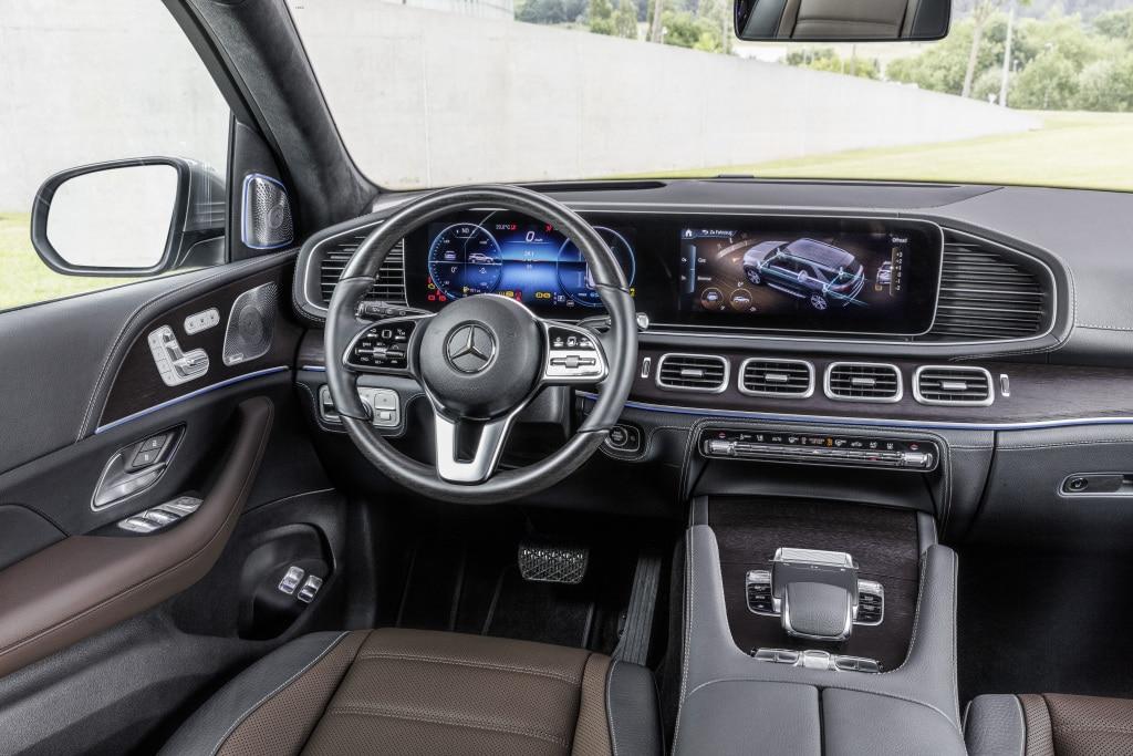 ภายในรถ Mercedes-Benz GLE S 2019