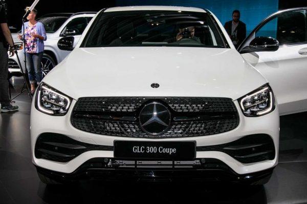 Mercedes-Benz ปรับโฉมเปลี่ยนหน้าใหม่ของรุ่น GLC Coupe และเพิ่มกำลังให้มากยิ่งขึ้นอีก