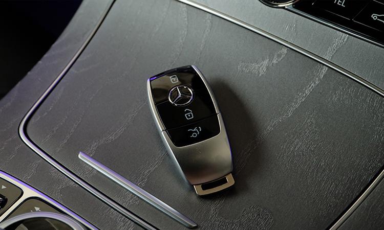 กุญแจรีโมท Benz CLS 300 d AMG Premium