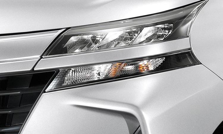 ไฟหน้า Toyota Avanza