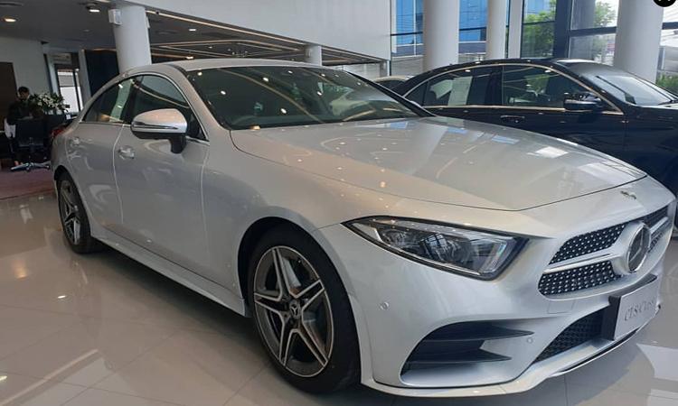Mercedes-Benz CLS 300 d AMG Premium สีเงิน Iridium Silver