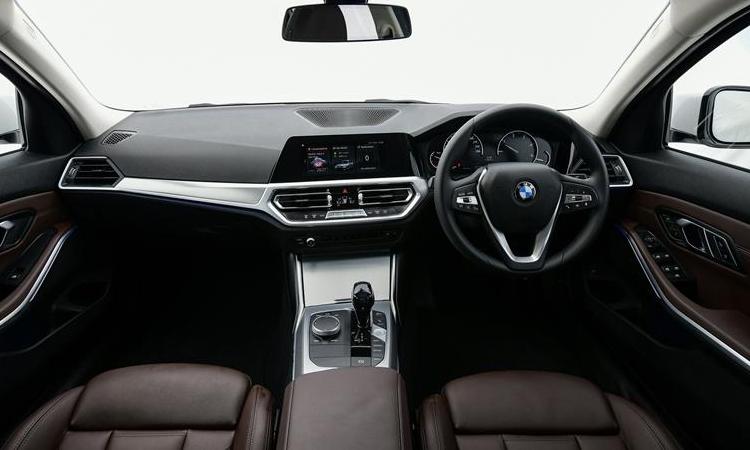 ภายใน BMW 320d Sport