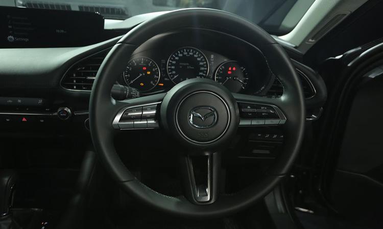 พวงมาลัย Mazda 3