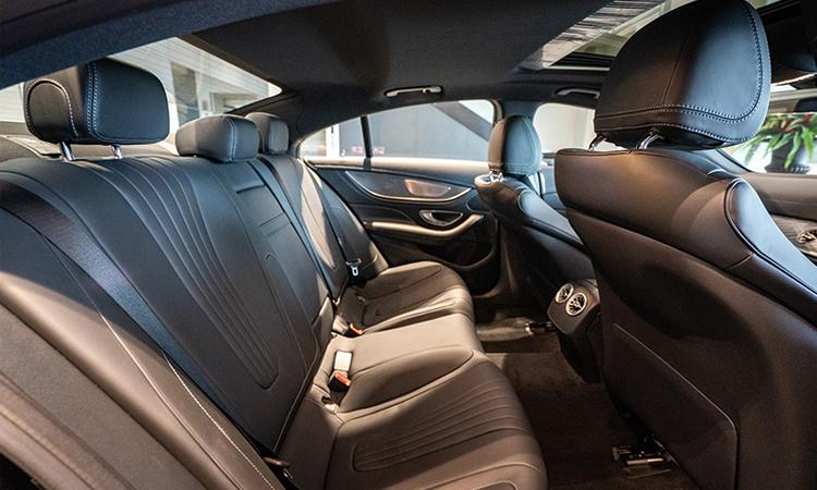 เบาะหลัง Benz CLS 300 d AMG Premium