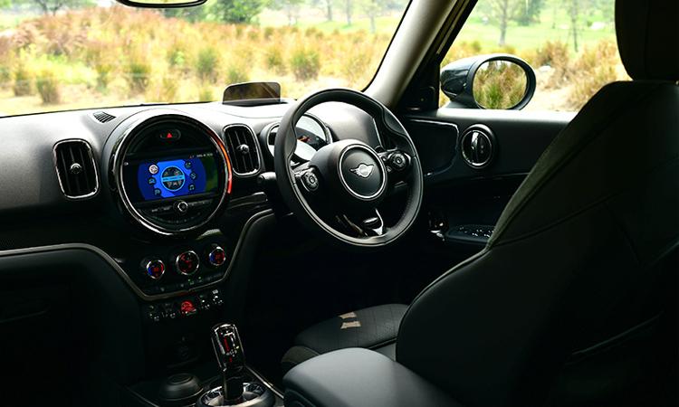 ภายใน MINI Countryman Cooper S (F60)