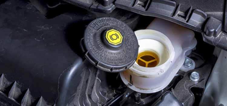 น้ำมันเบรกของรถยนต์เป็นสิ่งสำคัญของรถ