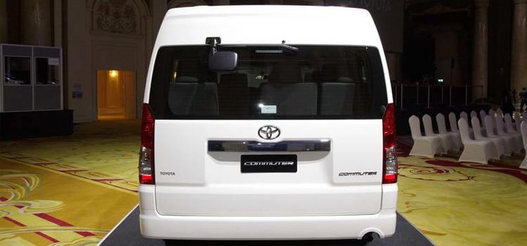 ท้ายรถ Toyota Commuter