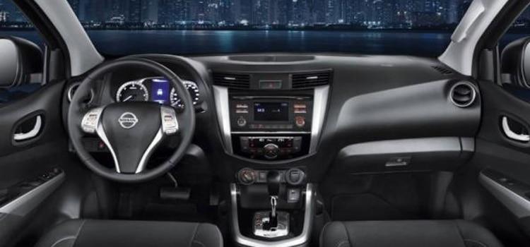 ภายใน Nissan Navara 2019-2020