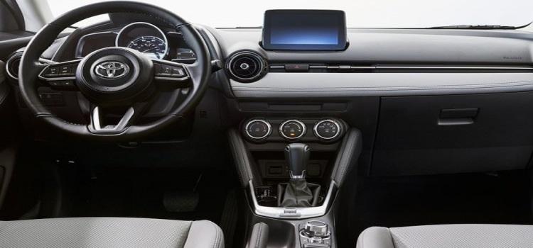 ภายในToyota Yaris Hatchback US Spec 2020