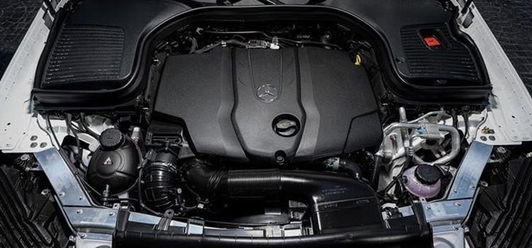 ด้านขุมพลัง Mercedes-Benz GLC220d 4MATIC 2019 ใหม่