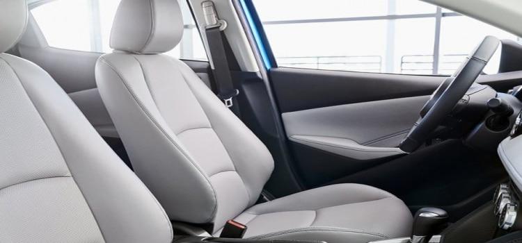 ห้องโดยสาร Toyota Yaris Hatchback US Spec 2020