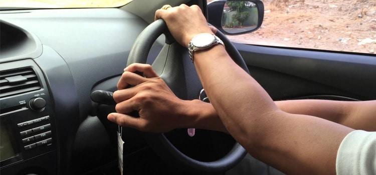 ออกรถอย่างรวดเร็วขณะเลี้ยวสุด