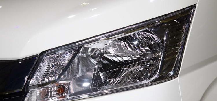 ไฟหน้า Toyota Commuter