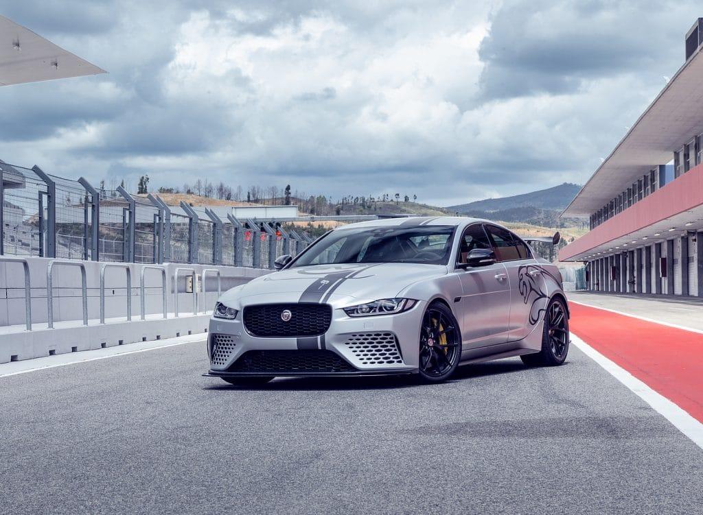 ทุบสถิติใหม่ Jaguar รุ่น XE SV Project 8 ทดสอบรถที่แรงที่สุดในโลก ณ  สนาม Nurburgring 1