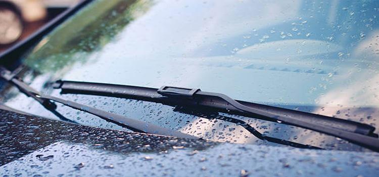 สาเหตุที่ทำให้ที่ปัดน้ำฝน มีเสียง ปัดไม่สะอาด และสะดุด