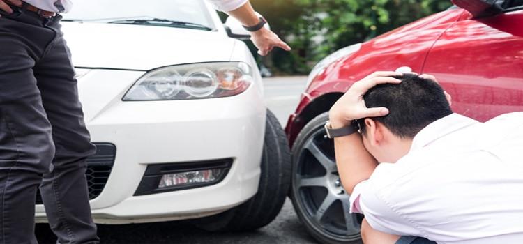 เมื่อเกิดอุบัติเหตุ แต่ไม่มีใบขับขี้ เคลมประกันได้หรือไม่