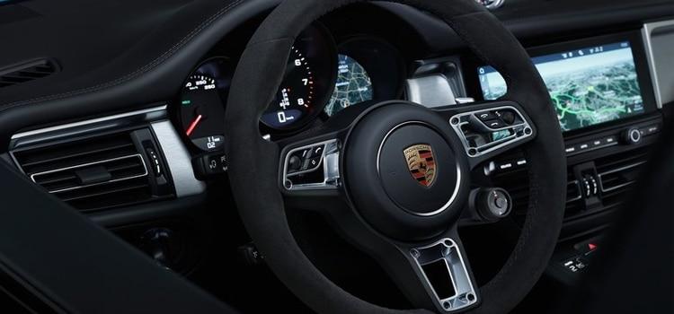 พวงมาลัย Porsche Macan