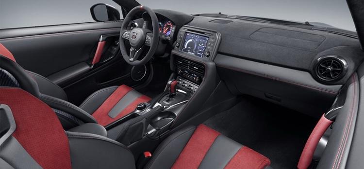 ภายใน Nissan GT-R 50th Anniversary Edition