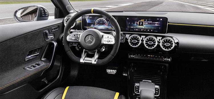 ภายใน Mercedes-AMG A 45 และ CLA 45