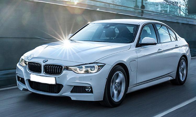 BMW 330e M Sport เ