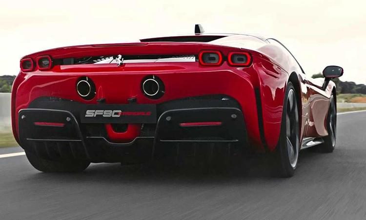 ดีไซน์ด้านหลัง Ferrari SF90 Stradale