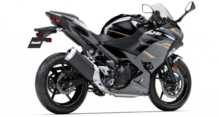 เครื่องยนต์ Kawasaki Ninja 400 2020