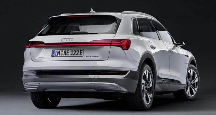 ด้านท้าย Audi E-Tron 50