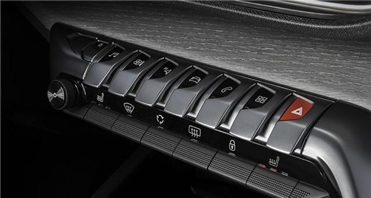 แผงควบคุมการทำงาน Peugeot 3008