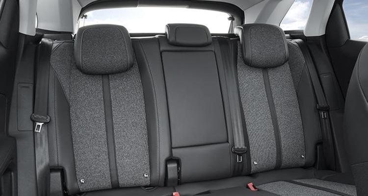 เบาะนั่งผู้โดยสรหลัง Peugeot 3008