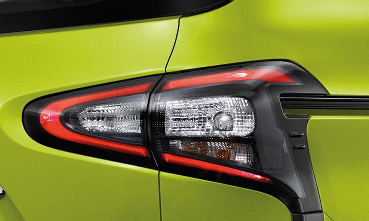 ไฟท้าย Toyota Sienta Minor Change