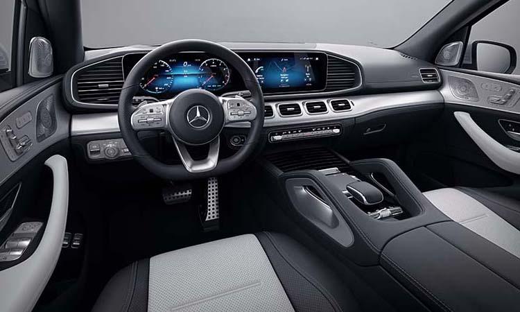 การออกแบบภายใน Mercedes-Benz GLE 300d 4MATIC AMG Dynamic