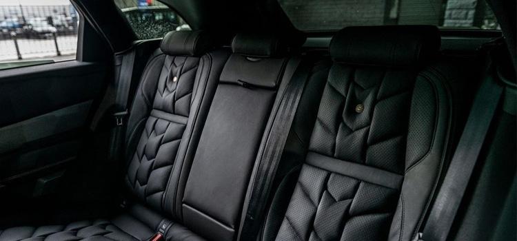 ดีไซน์เบาะหลังผู้โดยสารKahn Range Rover Velar P300 Pace Car