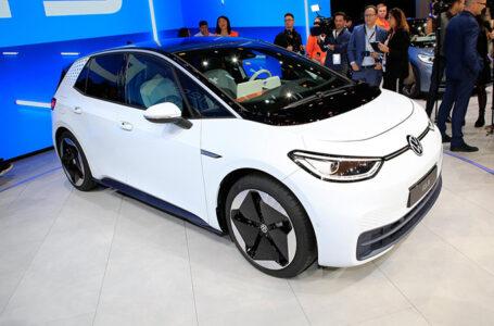 เผยโฉม Volkswagen ID.3 ทรงแฮทช์แบ็คพลังงานไฟฟ้า วิ่งได้ไกลสุด 550 กม.ต่อการชาตร์หนึ่งครั้ง