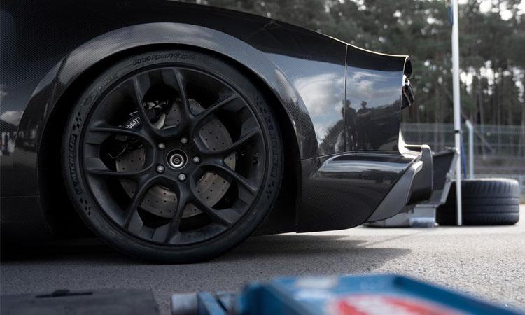 ส่งต่อความแรงให้ Bugatti Chiron Super Sport 300+ รุ่นพิเศษ ผลิตจำกัด 30 คัน 5