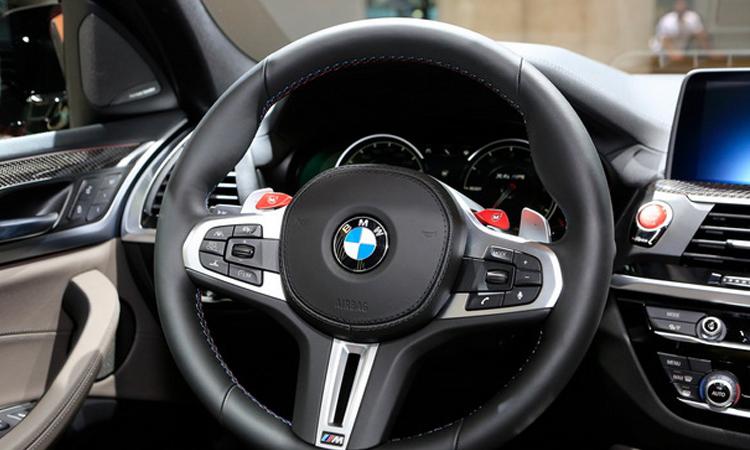 พวงมาลัย all-new BMW X4 M Model