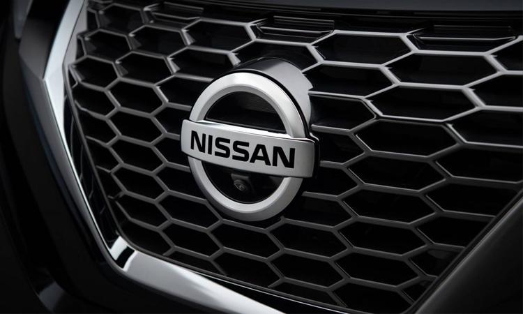 กระจังหน้า Nissan JUKE 2019